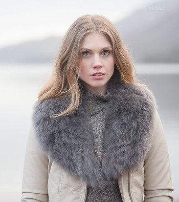 Heartshape Alpaca Fur Collar